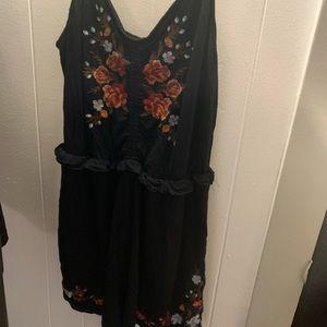 Black romper w floral design
